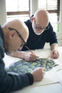 Alejandro y Alfonso, Equipo Falso trabajando en delantal alcachofa